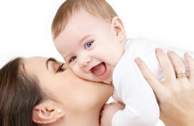 Як відлучити малюка від грудей: дієві способи