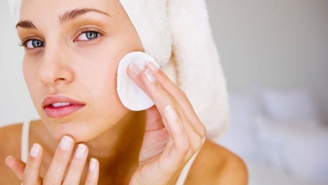 щоденний догляд за шкірою обличчя
