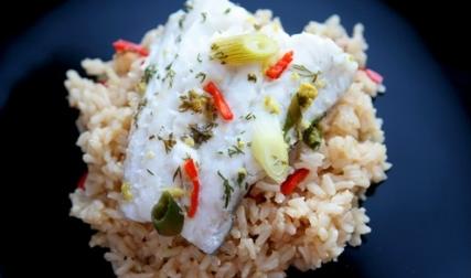 Судак на пару з бурим рисом – фото