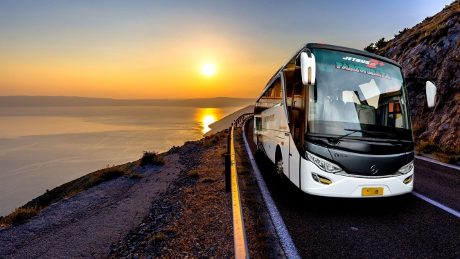 Отправляемся в путешествие на автобусе и покупаем билеты онлайн